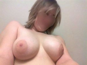 Nevae escorte trans Izon, 33